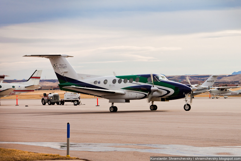 USA Colorado Denver Centennial Airport Tower США Колорадо Денвер Сентенниал Аэропорт APA KAPA Beechcraft Super King Air 200 N912SM