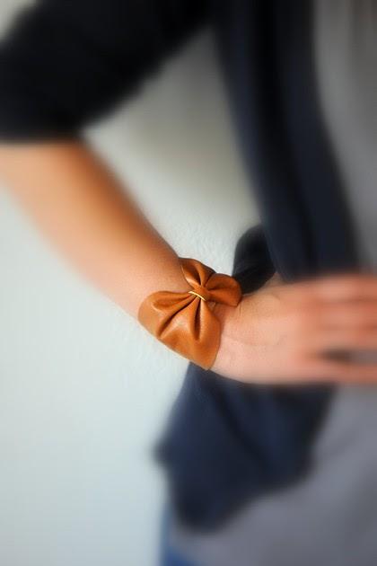 Lovely DIY Leather Bow Bracelet