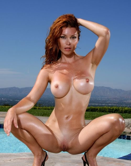 Redhaired naked woman