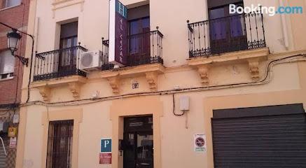 Pensión El César 1 ¿Dónde Dormir en Cáceres?