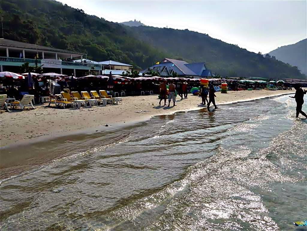 Tawaen Beach, koh Lahn Thailand