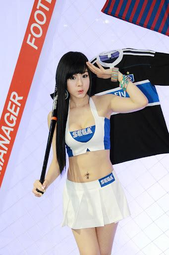 """Hwang Mi Hee khoe dáng """"xì tin"""" tại Gstar 2011 5"""