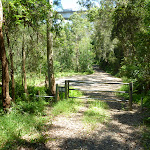 Gate at the end of Karool Rd (373582)