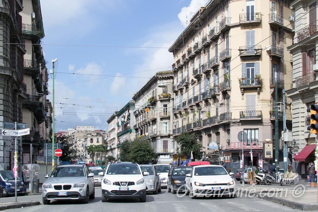 Napoli merkezde bir cadde