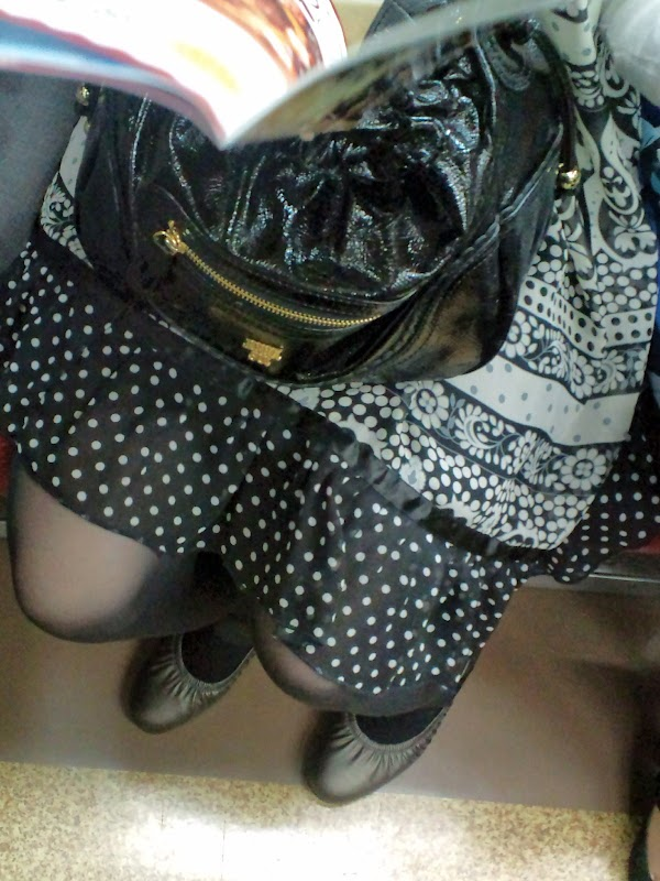 in the train [sitting] vol.13 part 4:upskirt,picasa0