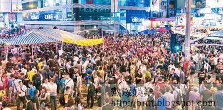 旺角<br>旺角示威區「話撤唔撤」,入夜後仍然人頭湧湧。