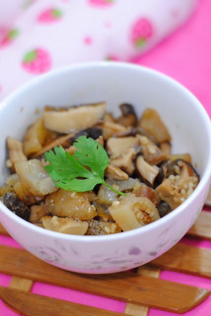 braised sea cucumber mushroom recipe by ServicefromHeart