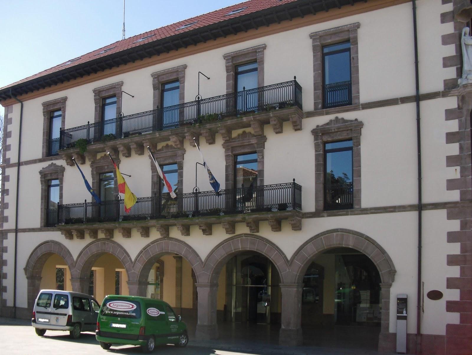 La ciudad habla 2011 03 2011 04 for Oficina de turismo de comillas