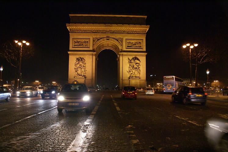 Монументы и памятники Парижа: Arc de Triomphe - триумфальная арка. монументы и памятники Парижа, монументы Парижа, парижские памятники, парижские монументы, триумфальная арка Париж, достопримечательности Парижа, Главные достопримечательности Парижа, самые интересные достопримечательности, фотографии Парижа, что посмотреть в Париже, Must see Paris, основные достопримечательности Парижа, Париж достопримечательности, Париж что посмотреть, Париж путеводитель, путеводитель по парижу, Франция, Париж, путеводитель по Франции, достопримечательности Франции, столица Франции, описания достопримечательностей Париж