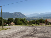 Carrefour avec la route des Petites Roches