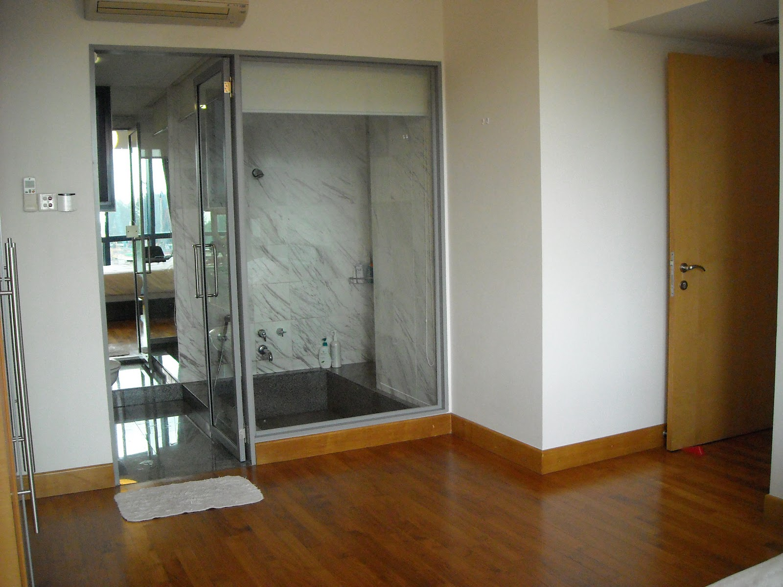 Hot singapore properties alternative investments and wellness business investor 39 s choice Master bedroom with ensuite