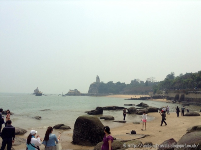 Gulangyu beach rocks and Zheng Changong statue