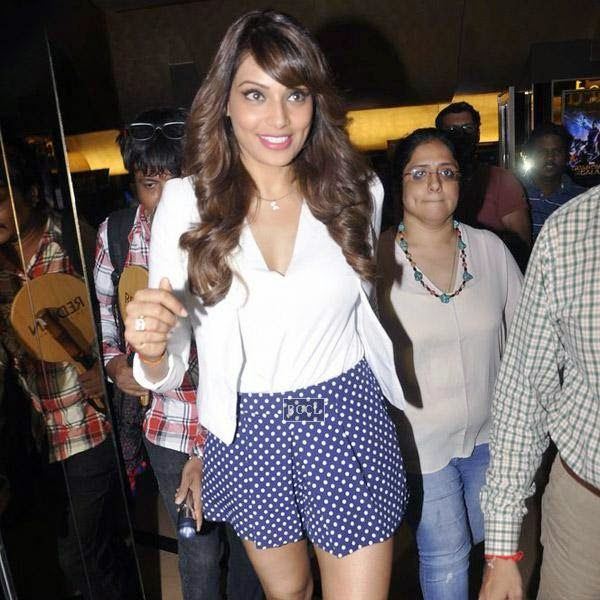 Bipasha Basu clicked on her arrival for the trailer launch of Bollywood movie Creature 3D, held at PVR, on July 16, 2014.(Pic: Viral Bhayani)