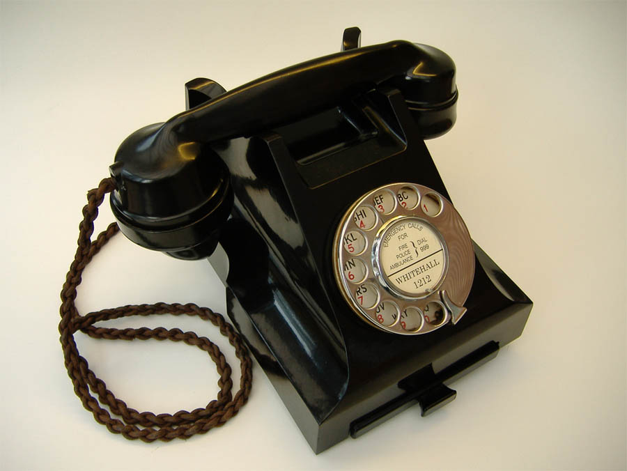 Dating old telephones