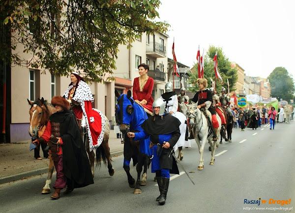 Pochód średniowieczny w dniu Jarmarku Cysterskiego w Pelplinie
