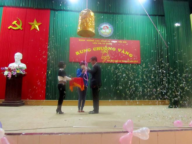 Hội thi rung chuông vàng tại Trường Cao đẳng Sư phạm Yên Bái