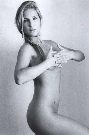 Elsa Pataky desnuda