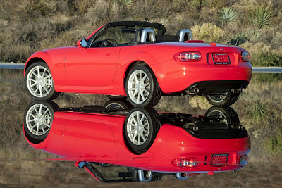 Mazda_Miata-MX5_2011_Rear_Angle_04_1920x1280