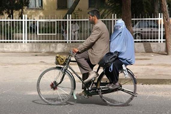 Arabia Saudita autoriza a las mujeres a viajar en bici