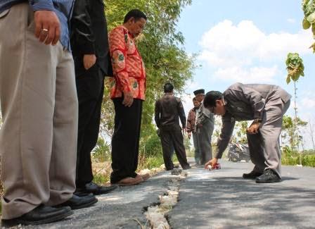 Berita terkait lelang proyek Jalan Kasreman Tawun lpse ngawi
