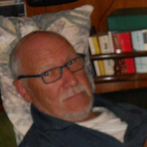 Helmut F