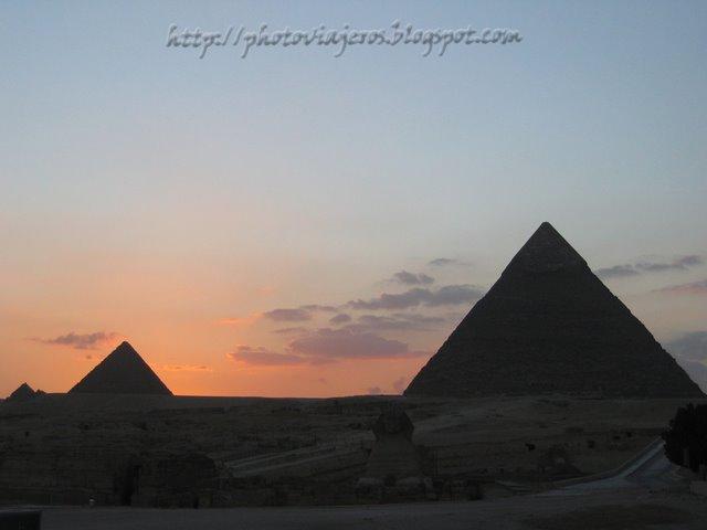 Atardecer en las Pirámides