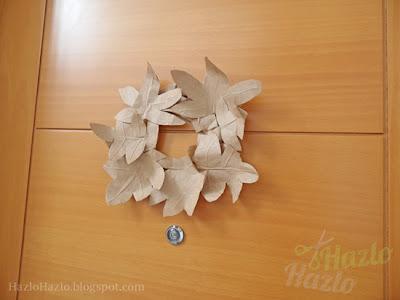 Corona de otoño hecha a mano.
