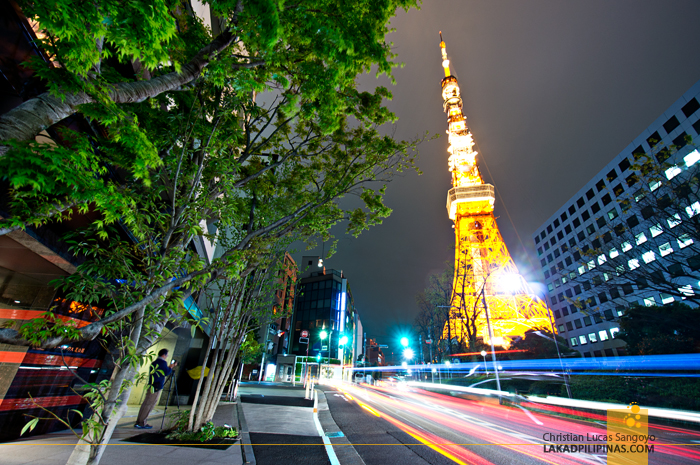 Rushing Cars at Japan's Tokyo Tower