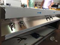 BUFFETS VULCANO GRES SILESTONE Buffet forrado en fornica con encimeras en silestone. La obra integra diferentes áreas destinadas a grill, cafetería, cajas, ...etc, todas ellas equipadas con la maquinaria adecuada fabricada y montada por nuestros diferentes técnicos. Tel. (+34) 651039750 www.vulcanogres.com oscar@vulcanogres.com