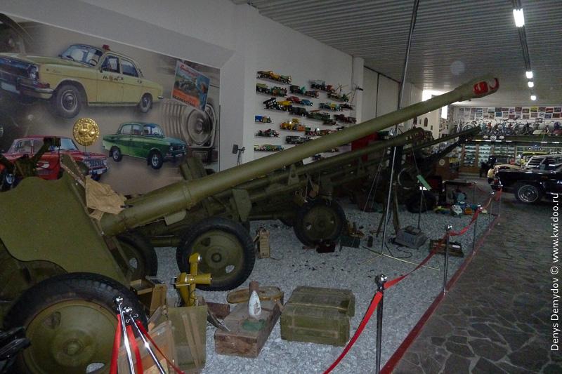 Артиллерийские орудия как часть экспозиции в Фаетоне