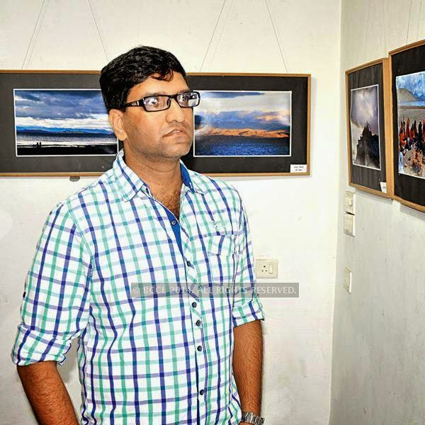 Sachin at Ravindra Puntambekar's photography exhibition in Indore.