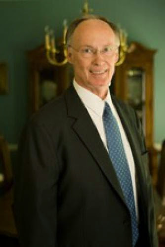 Idiot Of The Week Gov Robert Bentley