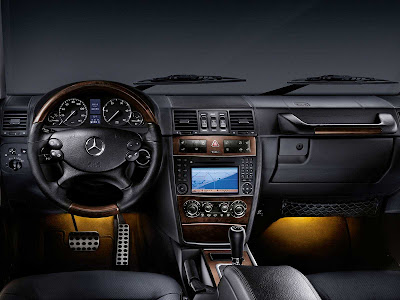 Mercedes Benz G Class 2011 1600x1200 Wallpaper 07