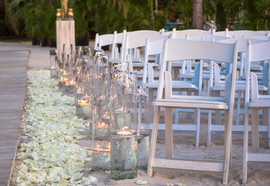 wedding ceremony Candles for decorating your beach wedding in Florida