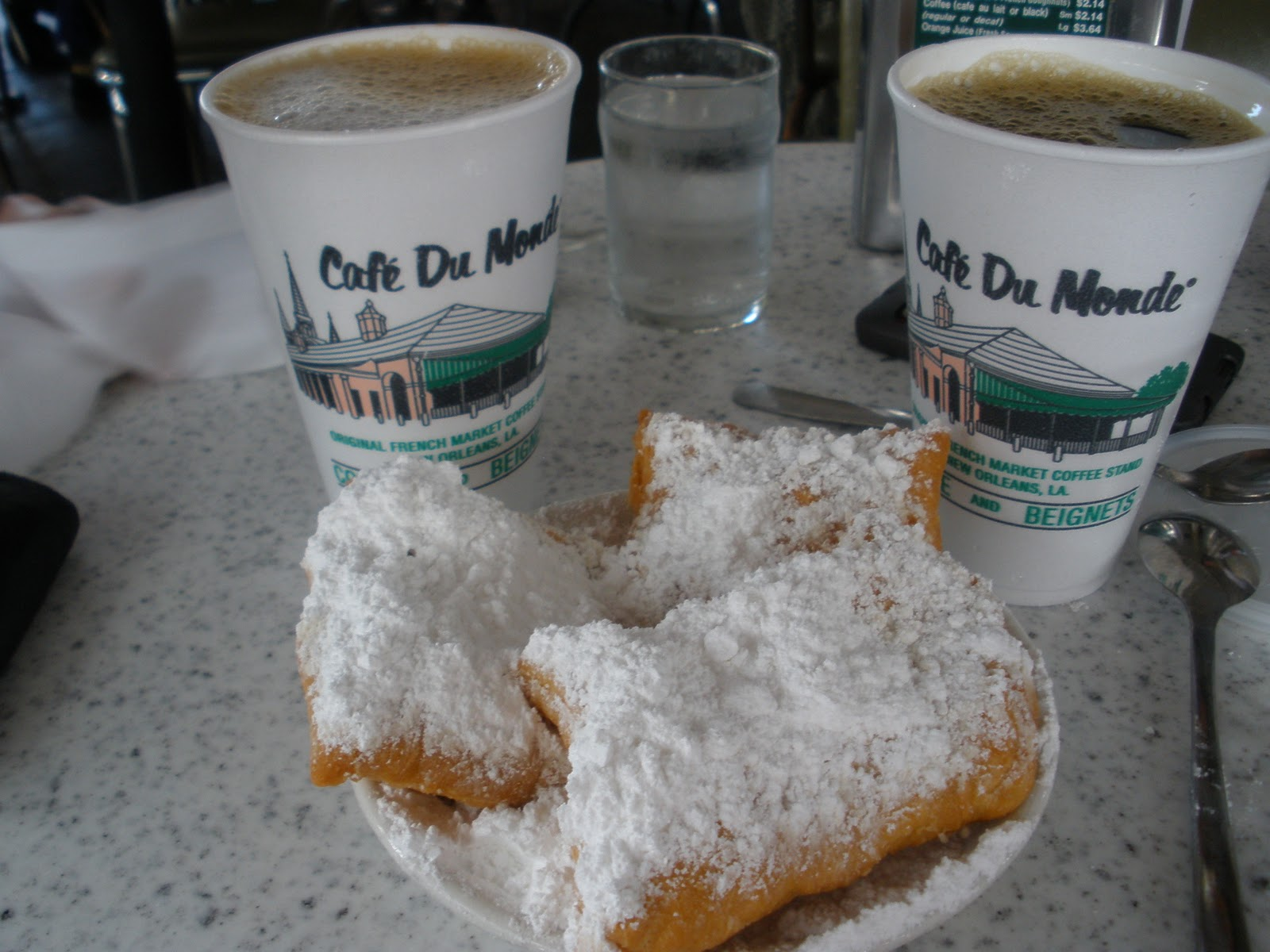 Day two began with a nice work out afterall we are still trainingfor cleveland half marathon which was followed by a trip to the infamous cafe du monde