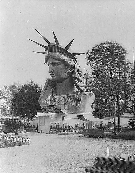 Голова Статуи Свободы в Париже. 1880 год