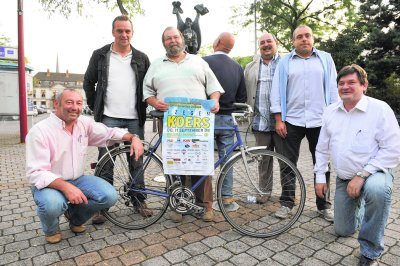 We herkennen van links naar rechts Frank Duhamel, Chris Sabbe, Johny Porteman, Pol Berlamont, Marc Vanlerberghe, Hertbert Herreman en Patrick Vandewatere)