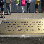 Queen Elizabeth Lookout plaque (16885)