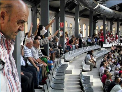 Para los festeros 400 sillas para jubilados y niños