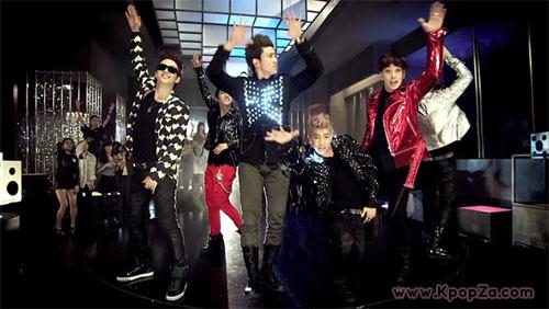 พวกเขากำลังจะมาแล้ว 2PM กับ 'HANDS UP'