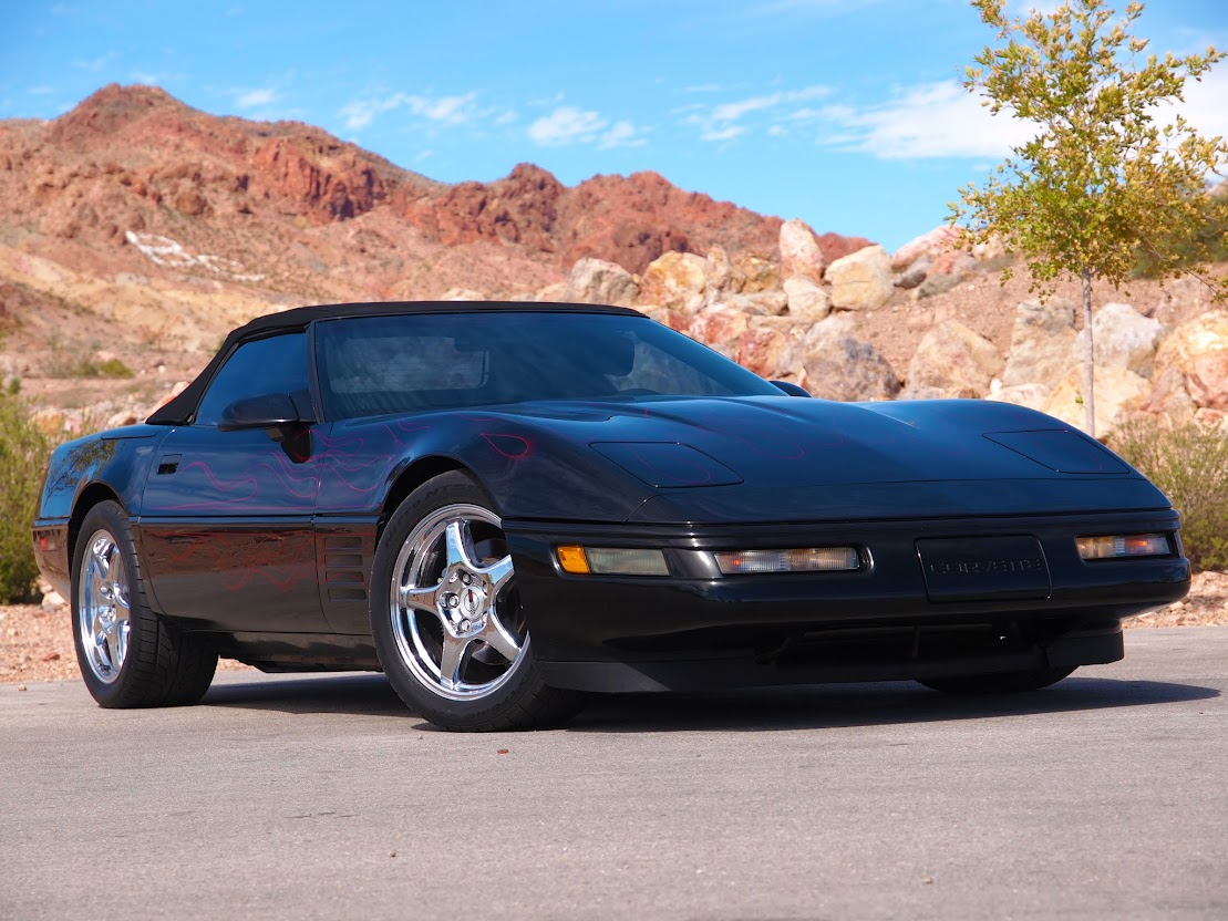 With polished zr 1 wheels and the most tasteful flame application you ve ever seen this 95 000 mile 1994 chevrolet corvette convertible is the finest