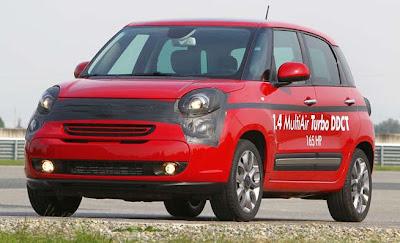 2013 US Fiat 500L front