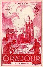 Französische Briefmarke: Brennende Kirche, davor zwei Wehrmachtsoldaten, »Oradour, Juin-1944«.