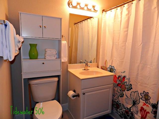 U506 Bathroom