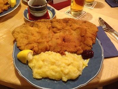Kreuzschänke, Other, Germany | Phone: +49 941 54200
