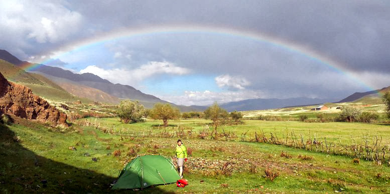Regenbogen über unserm Zeltplatz im Tölök-Tal, Kirgistan