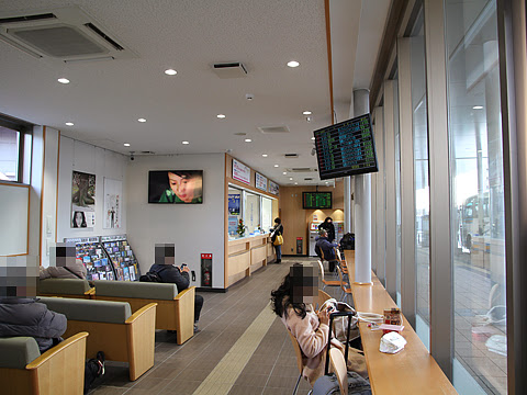 高松駅高速バスターミナル 待合室