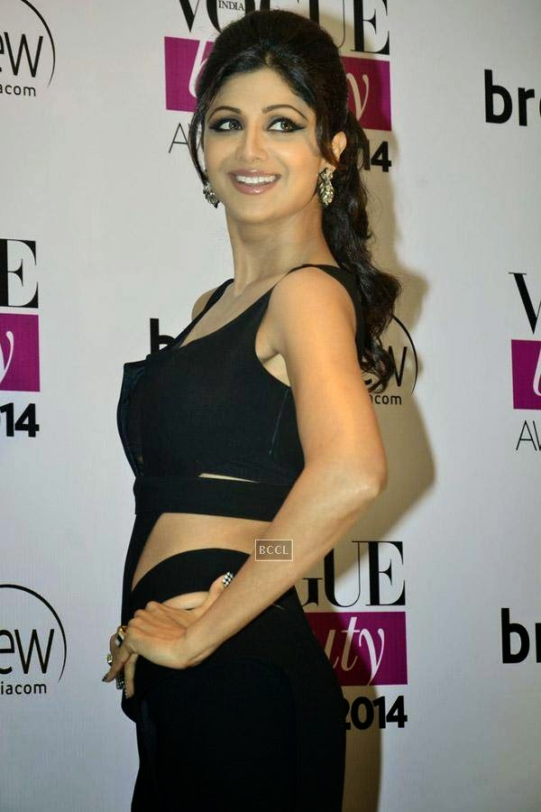 Shilpa Shetty poses for the cameras on her arrival for Vogue Beauty Awards 2014, held at Hotel Taj Lands End in Mumbai, on July 22, 2014.(Pic: Viral Bhayani)