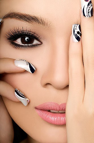 10 nail art ideas in black and white beauty zone