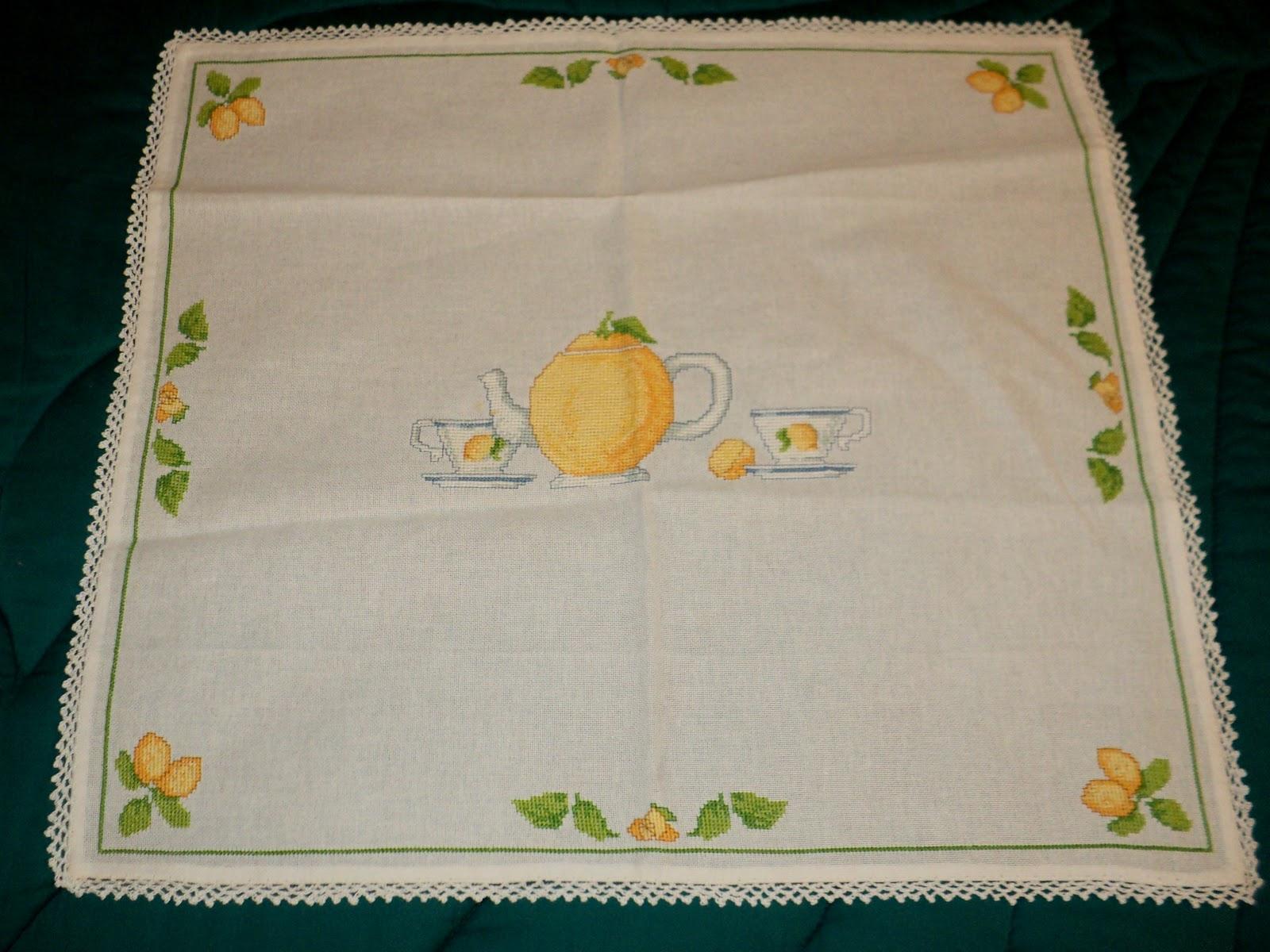 Creando ricamando tovaglietta per colazione tema limoni - Disegni punto croce per tovaglie da tavola ...